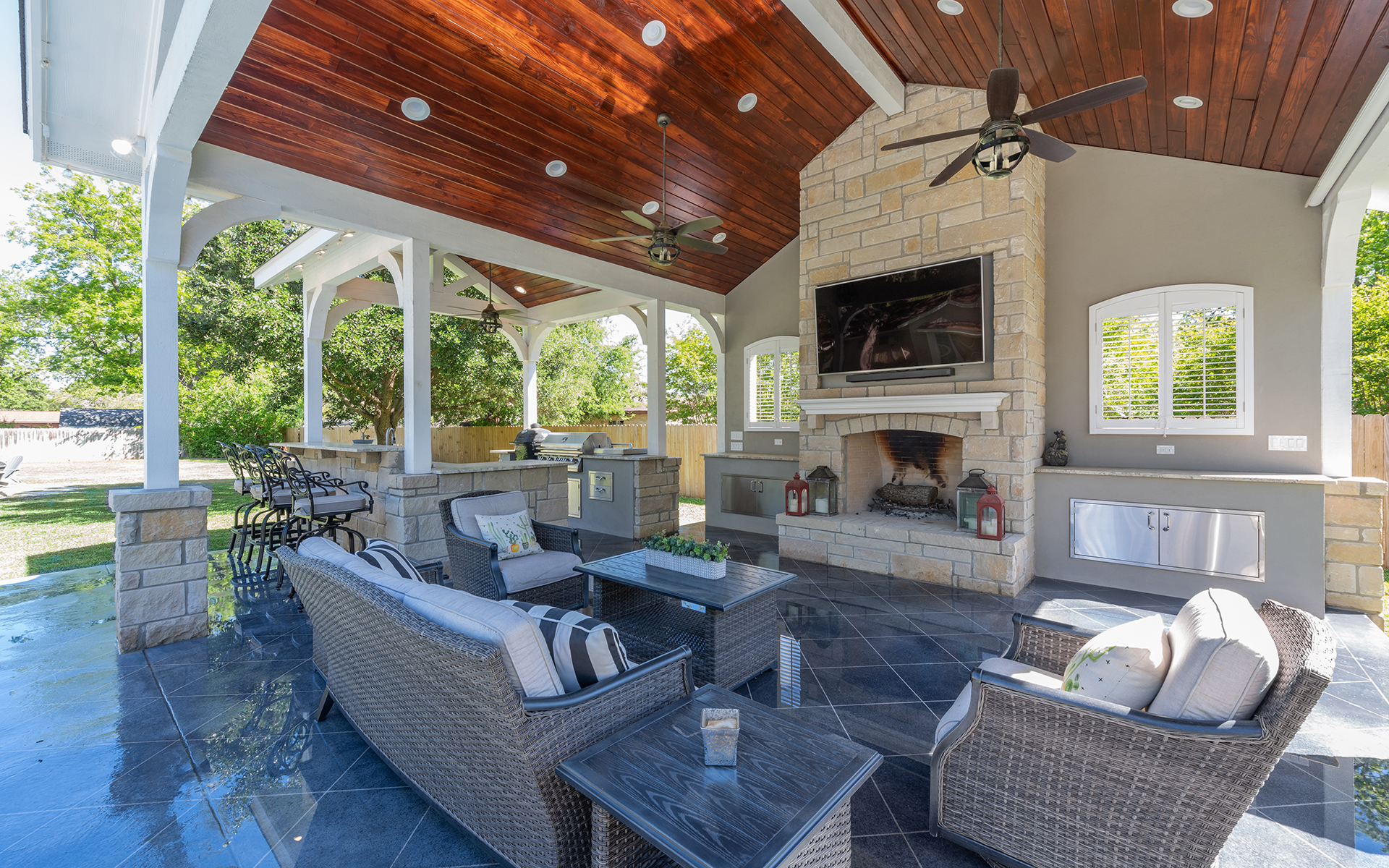 Pool House - Open Living Space