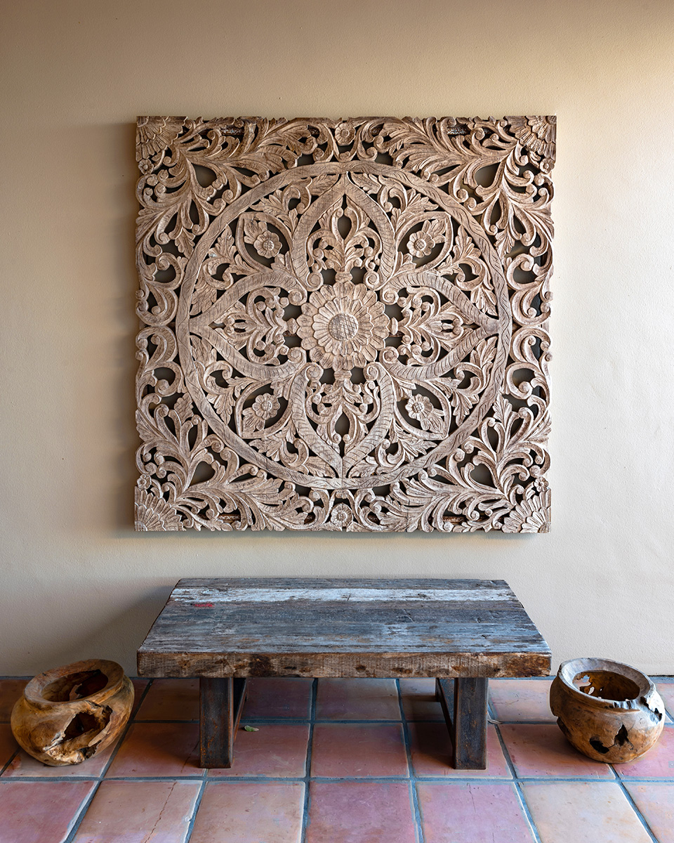 Hacienda Art & Bench
