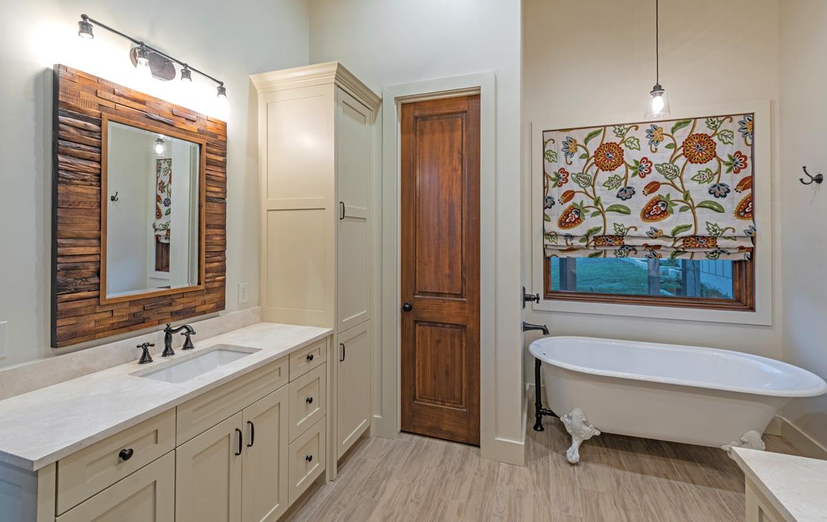 Ranch House - Master Bathroom 1