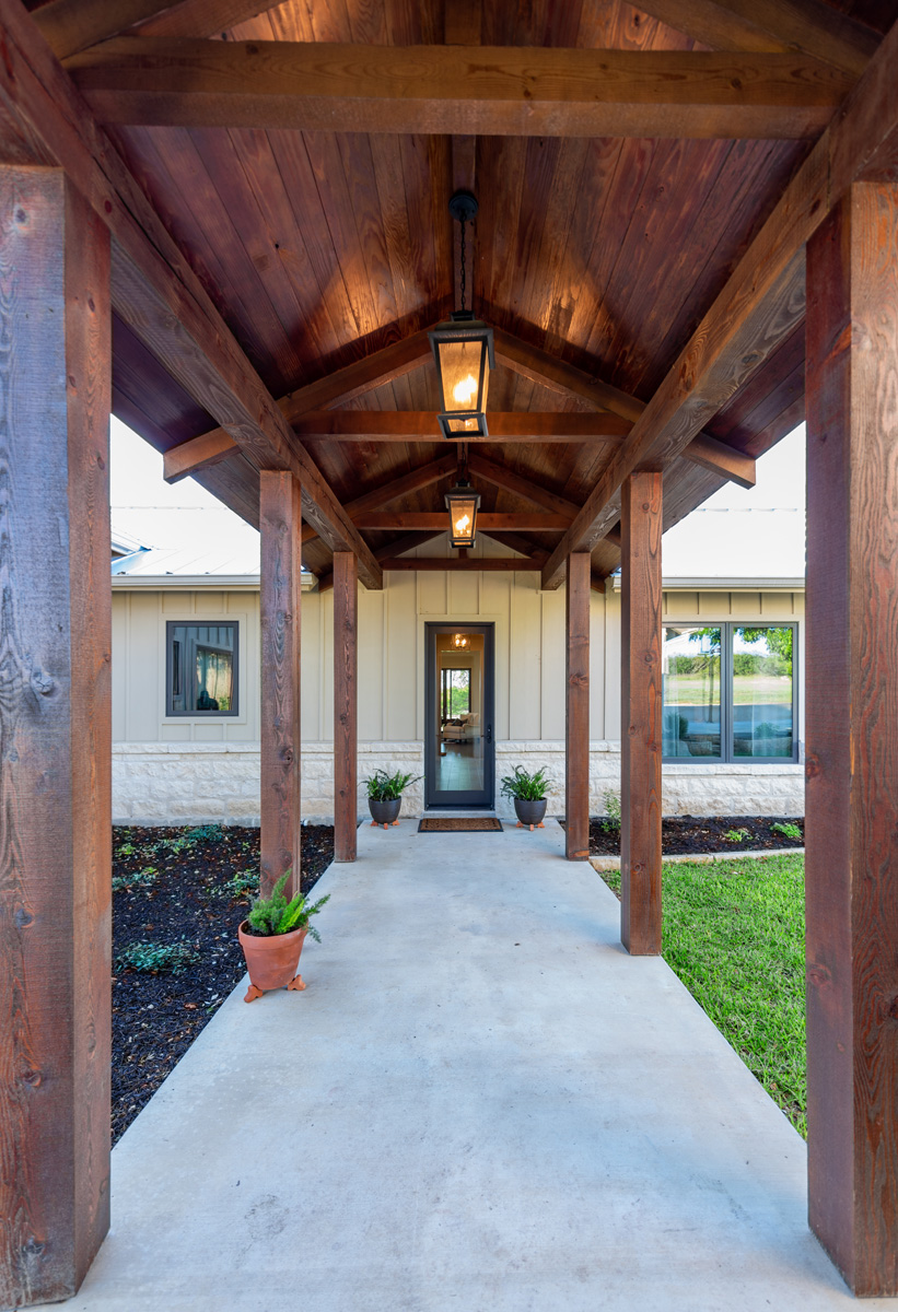 Ranch House - Covered Walk